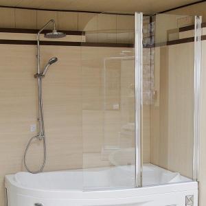 Стеклянная складная шторка на ванну 2 секции