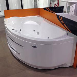 Асимметричная ванна из коллекции «Ирма»