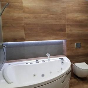 Альбена 168x120 см - асимметричная ванна от Radomir